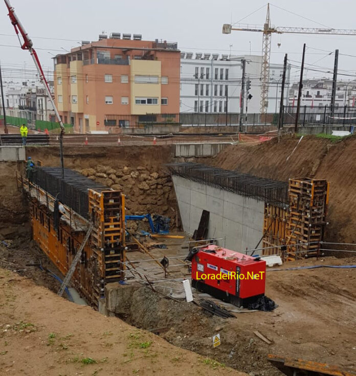 Construcción paso subterráneo de HYTASA