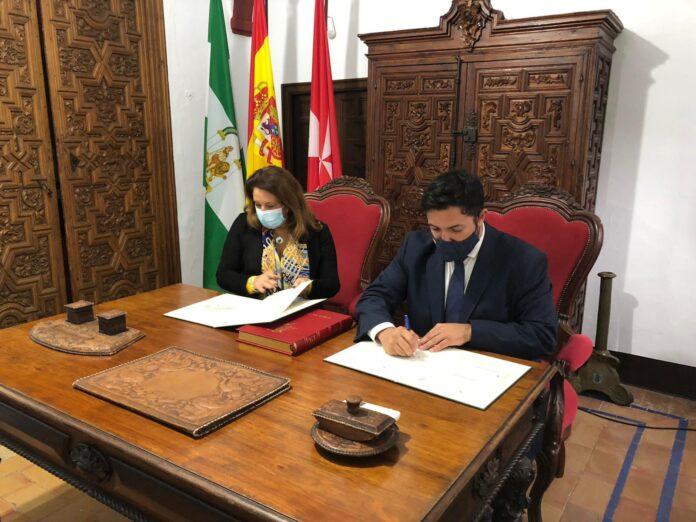 Firma convenio Junta de Andalucía y Lora del Río