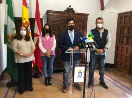 El alcalde de Lora del Río, Antonio Enamorado, presenta los cambios de la nueva reorganización del equipo de Gobierno municipal