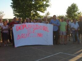 Vecinos de Setefilla se manifiestan contra la instalación de la EDAR al lado del casco urbano