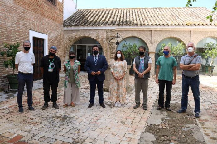 Presentados los cinco artistas internacionales que participan en el I Simposio Bienal de Escultura 'LoraPuebloMuseo'