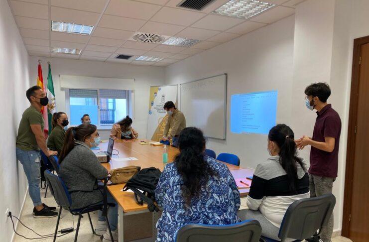 Comienza el curso gratuito de formación en poda dirigido a mujeres desempleadas en Lora del Río